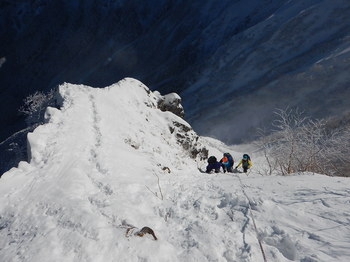 最終ピッチ雪稜