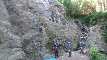 ロープクライミングと登山靴