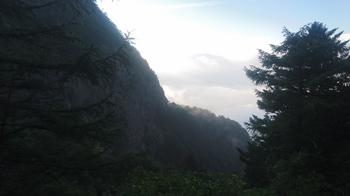 朝の屏風岩